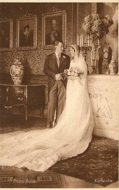 1931 Wedding of Prince Georg Donatus of Hesse-Darmstadt with Princess Cecilia of Greece. She is d/o of Prince Andrew n Princess Alice of Battenburg. He is s/o George I of Greece Royal Wedding Gowns, Royal Weddings, Princess Alice, Prince And Princess, Princess Wedding, Vintage Wedding Photos, Vintage Bridal, Margrave, Greek Royalty