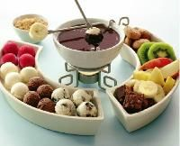 fruit, brownies, and various coconut balls for chocolate fondue Eggless Desserts, Just Desserts, Fondue Party, Coconut Balls, Food C, Chocolate Fountains, Food Platters, Appetizer Recipes, Yummy Food