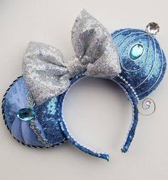 Disney Ears Headband, Ear Headbands, Cute Disney, Disney Style, Disney Purse, Mickey Mouse Ears, Disney Crafts, Gifts For Kids, Cinderella