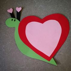 Love is slowly making it's way here to Alamitos library's Valentine's Day storytime. Come and check out our love snail craft.  *courtesy of craftymorning.com