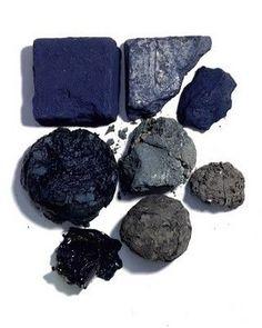 Indigo - the pigment - bloom magazine Azul Indigo, Bleu Indigo, Mood Indigo, Indigo Dye, New Blue, Blue Grey, Dark Blue, Color Patterns, Color Schemes