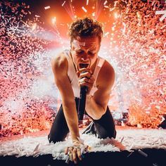 Dan Reynolds performing at The Arena in London on February Photo by Dan Reynolds, Dragon Origin, Dans Fans, Imagine Dragons Lyrics, Wayne Sermon, Singing Quotes, Music Quotes, Band Pictures, Imagines