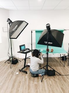 Photography Studio Setup, Photography Set Up, Photography Lighting Setup, Photography Lessons, Photography Backdrops, Photography Tutorials, Photography Business, Creative Photography, Amazing Photography