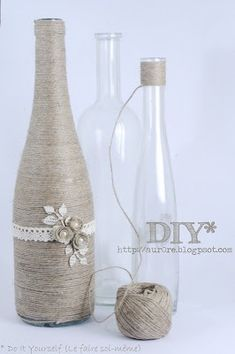 cute craft idea: old bottles wrapped in twine Bottles Cute Crafts, Crafts To Do, Arts And Crafts, Diy Crafts, String Crafts, Upcycled Crafts, Upcycled Vintage, Wine Bottle Art, Wine Bottle Crafts