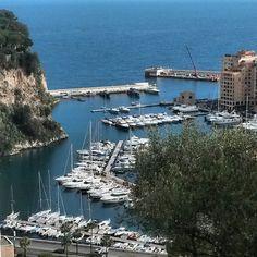 #Rocher Fontvielle harbor in Monaco  #monaco #montecarlo #principatodimonaco #principalityofmonaco #mediterraneansea #mediteranean #luxury #luxurylife #lifestyle #sunny #wednesday #bluesky #sky #landscape #sea #boats #yatch by mco377 from #Montecarlo #Monaco