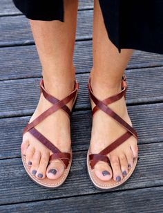 Waxed Leather Sandals, Ancient Greek Handmade Leather sandals, Dark Brown color, Women's leather gladiator style, distressed leather sandals