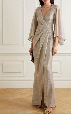 Dress Brokat, Kebaya Dress, Muslim Fashion, Hijab Fashion, Fashion Dresses, Hijab Dress Party, Simple Bridesmaid Dresses, Rehearsal Dinner Dresses, Moda Vintage