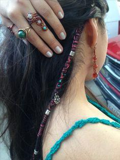 hippie hairstyles 533184043384394411 - Hair wrap Source by snezhnayak Dreadlock Hairstyles, Boho Hairstyles, One Dreadlock In Hair, Hair Yarn, Mode Hippie, Hippie Hair, Estilo Hippie, Hair Beads, Face Hair