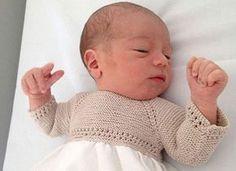 remate para prendas de bebé calado Crochet Baby Poncho, Baby Booties Knitting Pattern, Knitting Patterns, Baby Vest, Baby Pants, Baby Cardigan, Knitting For Kids, Knitting Projects, Baby Knitting