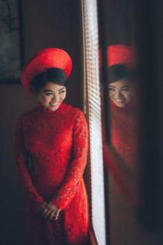 Vietnamese Tea Ceremony captured by DC wedding photographer Benson Lau of Pearl Paper Studio.