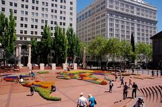 Flowers on the Square - Pioneer Courthouse Square / Portland, Oregon