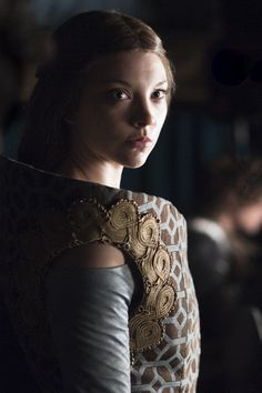 """Margaery Tyrell conveys that Tyrell blood truly does """"run warm"""" in this dress. #gameofthrones #fashion #housetyrell"""