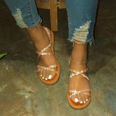 Flat Sandals Outfit, Cute Sandals, Fashion Sandals, Black Flat Sandals, Boho Sandals, Leather Sandals, Women's Shoes, Cute Shoes, Me Too Shoes