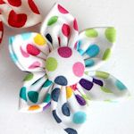 40+ fabric flower tutorials. Flowers may be used on clothing, shoes, totes, purses, etc.