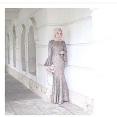 "5,507 Likes, 45 Comments - Gaun • Kebaya • Hijab • Mua (@inspirasigaunmuslimm) on Instagram: ""Inspired by @fairuzsakinah 😍"""