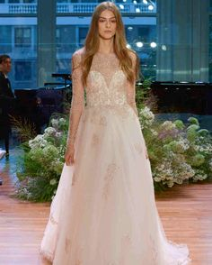 Monique Lhuillier, Bridal Fall 2017, New York, October 7 2016