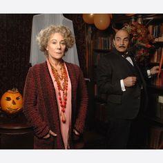 Ariadne Oliver (Zoe Wanamaker) and Poirot (David Suchet) in Hallowe'en Party (2010).