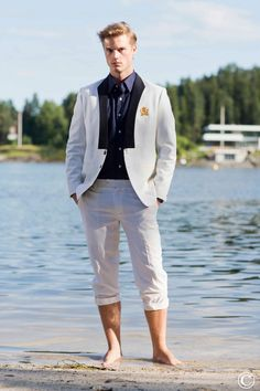 White Marcella Blazer and pants by Norwegian Couture. Norwegian Couture, Men´s Scandinavian Fashion. #menstyle #mensfashion #suitup #blazer #couture #Oslo