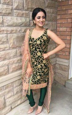 HappyShappy - India's Own Social Commerce Platform Punjabi Salwar Suits, Designer Punjabi Suits, Indian Designer Wear, Pakistani Dresses, Indian Dresses, Patiala Salwar, Sabyasachi Suits, Churidar Suits, Indian Suits