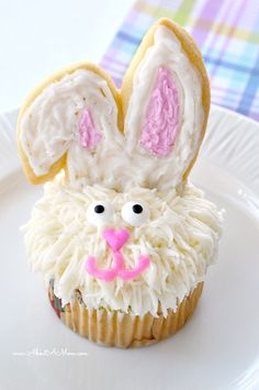 Easter Bunny Cupcakes made easy with Bakery Crafts cookie and cupcake decorating kit. #ad