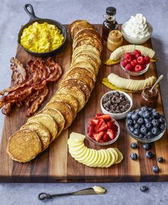 A fabulous Pancake Board with all the toppings and sides is such a creative way to serve breakfast, brunch or brinner! Who wouldn't run to the table if this amazing pancake board was Charcuterie Recipes, Charcuterie And Cheese Board, Cheese Boards, Charcuterie Plate, Brunch Recipes, Breakfast Recipes, Breakfast Cooking, Breakfast Smoothies, Brunch Ideas