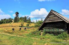Lubań i wieża widokowa, czyli Gorce z dziećmi   RODZINNIE DOOKOŁA ŚWIATA Polish Mountains, Cabin, House Styles, Cabins, Cottage, Wooden Houses