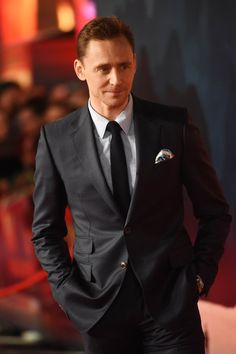 Oh, Just 13 Pictures of Tom Hiddleston Looking Mightily Good at the Kong Premiere - Tom Hiddleston Kong Premiere London February 2017 Tom Hiddleston Loki, Thomas William Hiddleston, Chris Hemsworth, Youtuber, Tommy Boy, Man Thing Marvel, Marvel Actors, Loki Laufeyson, Fine Men