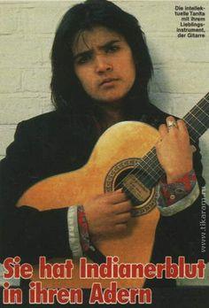 Танита Тикарам (Tanita Tikaram) - английская поп-фолк певица, автор... Tanita Tikaram, Mona Lisa, Music Instruments, Native Americans, Guitar, Musical Instruments