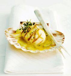 Sint-jakobsnoten met citroen-saffraansaus