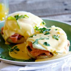 If I could only choose one breakfast to eat for the rest of my life, it would be Eggs Benedict. Sure, I wouldn't be able to move after a while