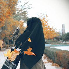 Hijab Niqab, Muslim Hijab, Anime Muslim, Mode Hijab, Hijab Outfit, Muslim Couples, Muslim Girls, Muslim Women, Hijabi Girl