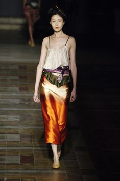 Dries Van Noten at Paris Fashion Week Spring 2006 - Livingly
