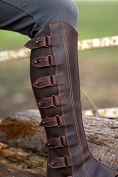 Authentic Spanish half chaps also called polainas or gaiters. Waxed brown leather upper with stud fastenings. Throw over jodhpur boots and away you go. waxed brown leather upper wears like nubuck… Steampunk Mode, Leather Boots, Brown Leather, Studded Leather Armor, Leather Projects, Shoe Boots, Shoes, Leather Working, Leather Craft