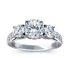 my ideal engagement ring (a girl can only dream, right?)