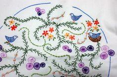 Mandala de pássaros - almofada - bordado livre - detalhe