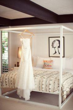 DIY Moroccan Wedding Blanket - thewhitebuffalostylingco.com Palm Springs, Moroccan Wedding Blanket, Dream Bedroom, Master Bedroom, Decoration, My Room, Marie, Diy Home Decor, Sweet Home