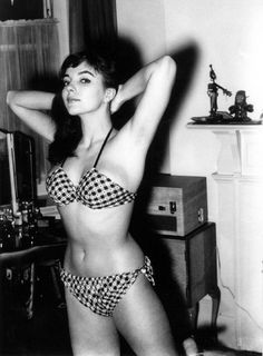 Joan Collins  A VERY BEAUTIFUL AND REMARKABLE WOMAN.