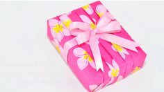 Pleating Gift Wrap Design www.theteeliebog.com The pleating gift wrap is mostly used by gift givers. But still, not everyone knows how to do it. #TeelieBlog