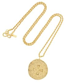 Kenneth Jay Lane collier pendentif http://www.vogue.fr/joaillerie/shopping/diaporama/bijoux-pieces-monnaie-antiques-coins/20869/image/1107998#!kenneth-jay-lane-collier-pendentif-coin