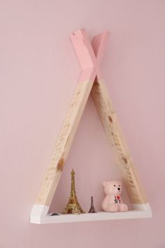 Tipi Shelf by PapaBricole Hello everyone. I start Here are my first girl room # girl nursery Project Nursery, Nursery Decor, Wood Nursery, Deco Kids, Baby Room Diy, Diy Baby, Little Girl Rooms, Handmade Home, Kids Decor