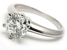 Platinum diamond engagement rings | Wedding Blog Ideas and Tips