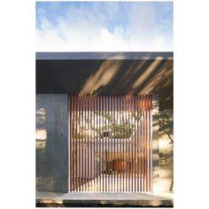 Shadows in spaces: light patterns inside a Japanese house designed by Megumi Matsubara and Hiroi Ariyama.  Photo: Daici Ano  Via @ignant  #shadowsinspaces