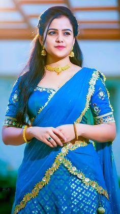 Beautiful Girl In India, Beautiful Blonde Girl, Beautiful Women Pictures, Beautiful Girl Photo, Most Beautiful Bollywood Actress, Beautiful Actresses, Hot Actresses, Indian Actresses, Desi Girl Image