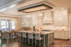 Incredible+Kitchen.+2015+Birmingham+Parade+of+Homes+built+by+Murphy+Home+Builders.
