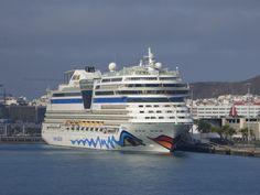 Puerto de Las Palmas. Gran Canaria     : Crucero Aidablu en el Puerto de Las Palmas de Gran...