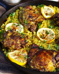 One Pot Middle Eastern Chicken and Rice A flavorful Middle Eastern Chicken made with seasoned tumeric rice all in one pot! Fuss free this middle eastern chicken is super easy to make. Source by abeachgirl Middle Eastern Chicken, Middle Eastern Recipes, Middle Eastern Rice, Middle Eastern Salads, Indian Food Recipes, Ethnic Recipes, Syrian Recipes, Moroccan Food Recipes, Healthy Lebanese Recipes