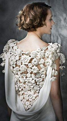 abito da sposa anni trenta con schiena lavorata ad uncinetto Punto Pizzo 505469860c12
