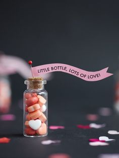 Good news is that here's the list of perfect last-minute Valentine's Day DIYs you can make from what you already have at home. Valentines Day Treats, Valentine Day Crafts, Love Valentines, Bottle Jewelry, Bottle Charms, Christmas Mason Jars, Kawaii, Valentine's Day Diy, Happy