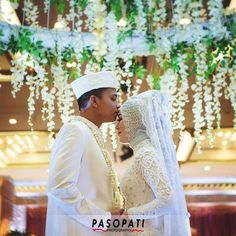 there is only one happiness in life, to love and be love #pasopatiphotography . . . Akad Nikah Mila & Fadlan at @kcjakarta  Dekor: #dimensidekorasi WO: @bz_organizer_entertainment . . . #groom #bride #likeit #traditionalwedding #weddingphotography #profesionalphotography #ibride #tagsforlike #wedding #weddingring