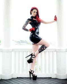 29b6526a96673884b6c0851fd8d8d234--fetish-fashion-latex-fashion.jpg 736×920 pixels